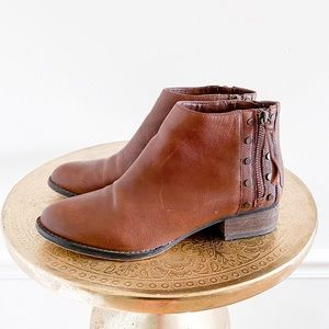 Vince Camuto Catile Leather Brown Ankle Booties